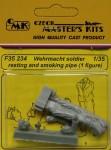 1-35-Wehrmacht-soldier-smoking-pipe-1-figure