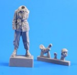 1-35-French-Tank-Commander-WWII-1-fig-