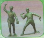 1-12-Red-Army-set-of-two-statuettes-3