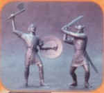 1-12-Barbarians-set-of-two-statuettes-3