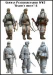 1-35-German-Panzerrgrenadier-WW2-Bakers-dozen-4