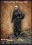 1-35-German-panzer-Crewman-WW2