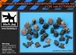 1-35-German-Bundeswehr-equipment-accessories-set