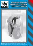 1-32-Mechanics-personnel-USAAF-1940-45-No-6