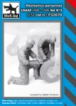 1-32-Mechanics-person-USAAF-1940-45-No-3-2-fig-