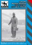 1-32-Luftwaffe-Mechanic-personnel-1940-45-No-4