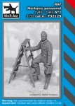 1-32-RAF-mechanic-personnel-1940-45-No-1