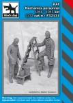 1-32-RAF-mechanics-personnel-1940-45-set-2-fig-