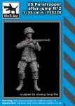 1-35-US-paratrooper-after-jump-No-2-1-fig-