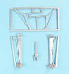 1-32-Cessna-L-19-O-1-Bird-Dog-Landing-Gear-and-Engine-Supports