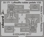 1-32-Luftwaffe-rudder-pedals