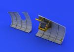 1-48-Spitfire-radio-compartment