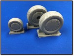 1-48-Consolidated-B-24-Liberator-wheel-set-with-dust-covers