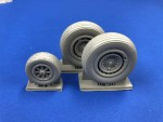 1-48-Consolidated-B-24-Liberator-wheel-set-spoked-version
