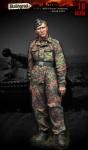 1-16-WSS-Panzer-Crewman-Kursk-1943