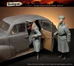 1-35-German-General-and-his-driver