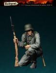 1-35-German-Infantryman-in-action-1939-43