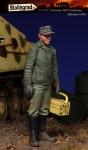 1-35-German-AFV-Crewman-Ukraine-1944
