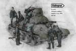 1-35-German-soldiers-inspect-T-34-1941-Big-Set
