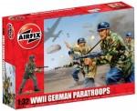 1-32-WWII-German-Paratroopers