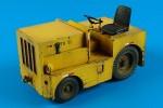 1-32-DMC-Logan-T-40-USAF-tow-tractor