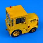 1-32-UNITED-TRACTOR-GC-340-4-A9-Cab-LPG