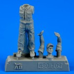 1-48-U-S-Army-aircraft-mechanic-WWII-Pacific-theatre