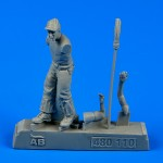 1-48-US-Army-aircr-mechanic-WWII-Pacific-theatre-4