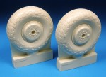 1-24-Havilland-Mosquito-Late-Main-wheels-designed-to-be-used-with-Airfix-kits