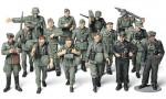 1-48-WWII-German-Infantry-On-Maneuvers