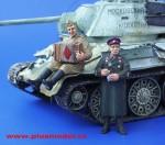1-35-Red-Army-Soldier-WWII-Accordionist-and-NKVD-Officer-Vojaci-Rude-armady-2-sv-valky-harmonikar-a-dustojnik-NKVD