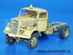 1-35-Opel-4-x-4-chassis