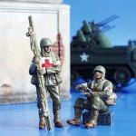 1-35-U-S-Soldiers-WWII-Orderlies-Americti-vojaci-2-s-v-zdravotnici