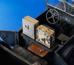 1-35-Radio-Car-Kfz-15