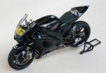 1-12-Yamaha-YZR-M1-MotoGP-2006-Test-version-carbon-46