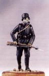 1-35-GERMAN-INFANTRY-PRIVATE-W-GASMASK-1917-18