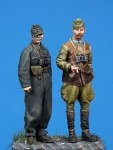 1-35-Hungarian-SPG-Officer-and-Panzer-Officer