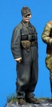 1-35-Hungarian-SPG-Officer