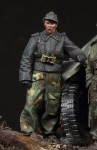 1-35-SS-Panzer-Recon-Officer-1
