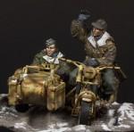 1-35-German-motorcycle-crew