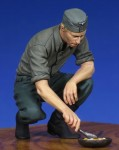 1-35-German-Cooking-soldier-WW-II