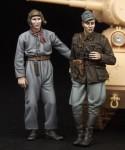 1-35-Finnish-Tank-crew-WW-II
