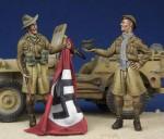 1-35-Souvenir-Hunters-WW-II-Desert-Rat-and-Australian