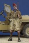 1-35-British-Hussar-Officer-WW-II