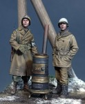 1-35-US-Military-Police-and-GI-Ardennes-1944-WW-II-with-stove