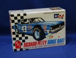 1-25-Richard-Petty-Dodge-Dart