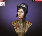 1-10-WW2-Soviet-Female-Tanker