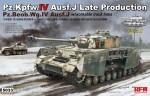 1-35-Panzer-IV-Ausf-J-late-Pz-Beob-Wg-IV-Ausf-J-2in1