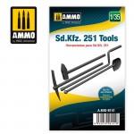 1-35-Sd-Kfz-251-Tools