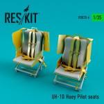 1-35-UH-1D-Huey-Pilot-seats